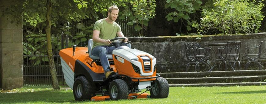 Tracteurs de pelouse en vente chez Breizh Motoculture à Baud-Locminé